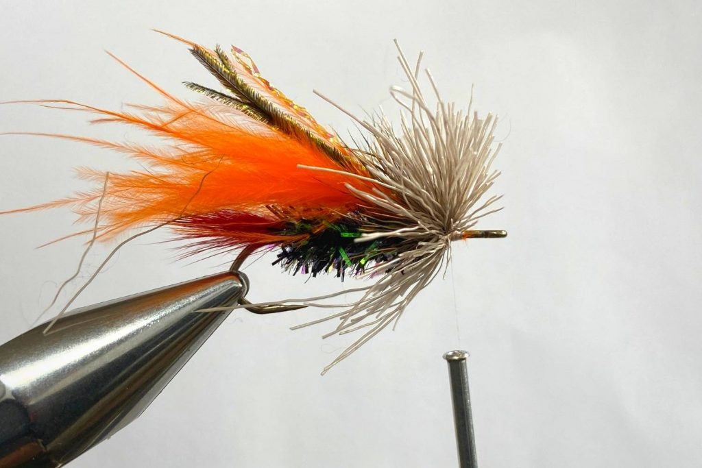 How to tie the Muddler Minnow Fly step 7