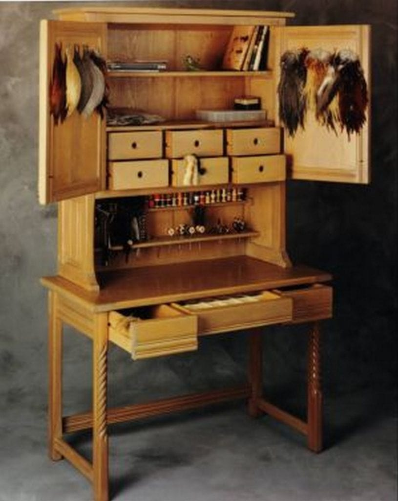 fly tying workstation
